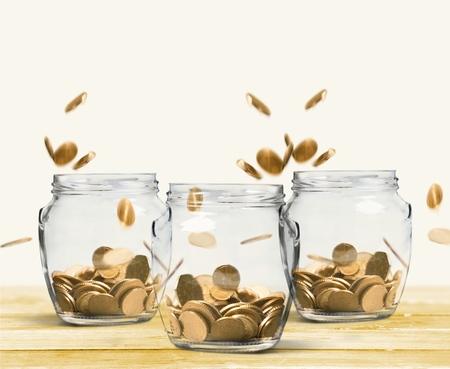 錢: 金錢。 版權商用圖片