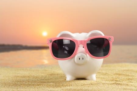 money saving: Bank.