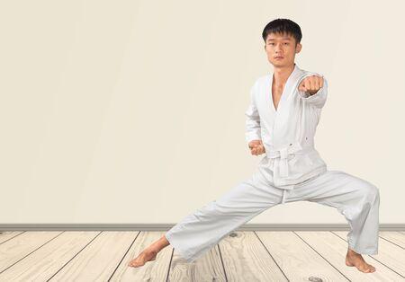 arte marcial: Karate.