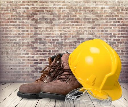protective work wear: Hardhat.