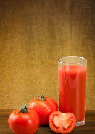 jugo de tomate: Jugo de tomate.