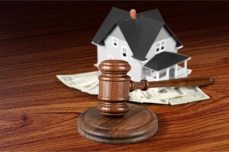 auction: House Auction.