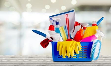 sirvientes: Equipo de limpieza.