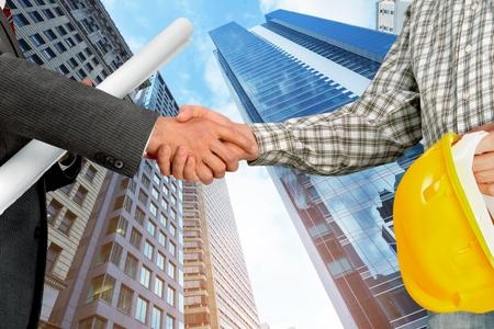 handshake: Apret�n de manos de negocios. Foto de archivo