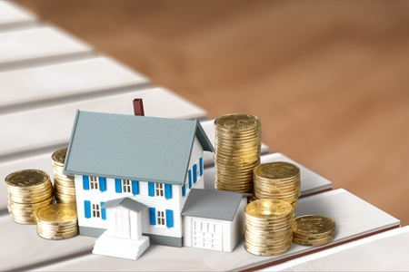 houses: House.