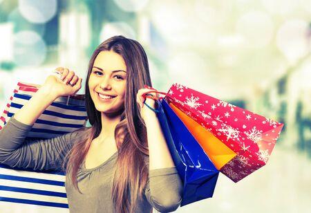 shopping mall: Shopping.