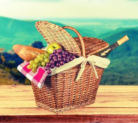 picnic: Picnic Basket.