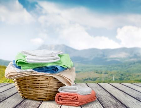 laundry: Lavandería.