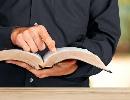 bible ouverte: Bible. Banque d'images