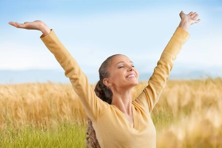 mujer alegre: Cheerful Woman.