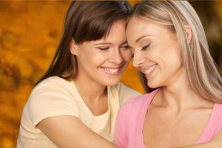 lesbianas: Amistad. Foto de archivo