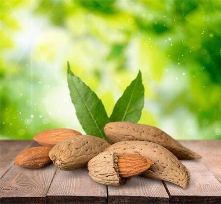 descriptive color: Almond.