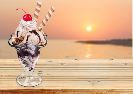 coppa di gelato: Ice Cream Sundae.