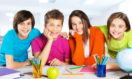 escuela primaria: Cabritos de la escuela.