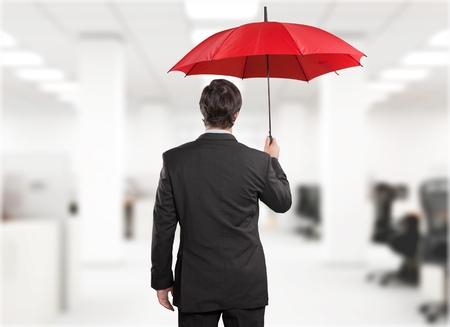 uomo rosso: Assicurazione.