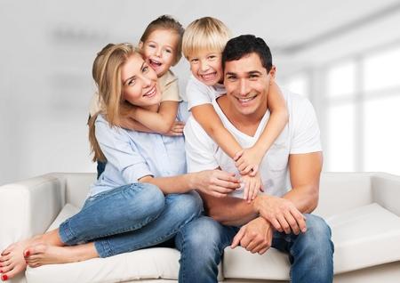 家庭: 家庭。 版權商用圖片