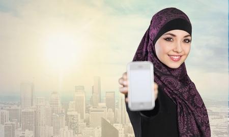 fille arabe: Portrait de jeune fille arabe.