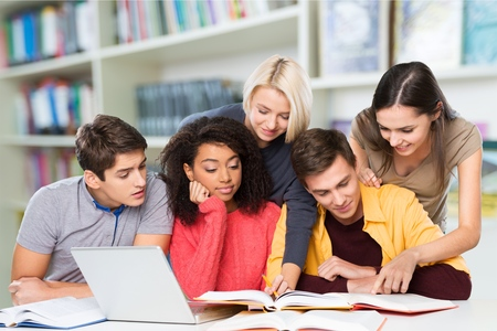 profesor alumno: Estudiantes. Foto de archivo