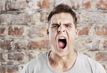 enfado: Enfado.