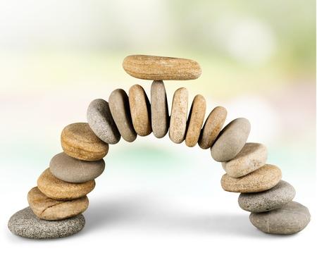 balanza en equilibrio: Puente de piedra.