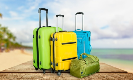 polycarbonate: Poly-carbonate suitcases.
