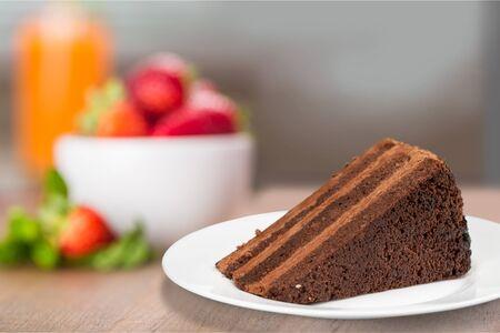 trozo de pastel: Pastel de chocolate.
