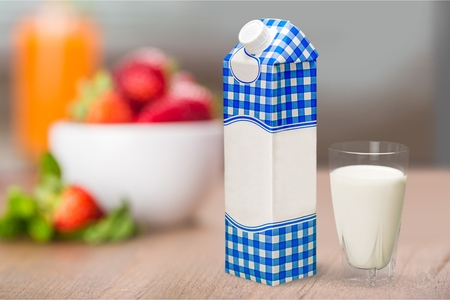 envase de leche: Leche.  Foto de archivo