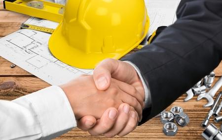 建築業者。