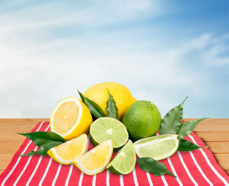lemon slice: Citrus fruits.