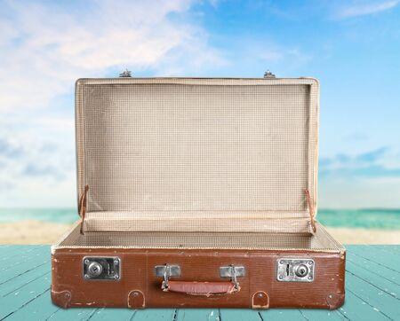 maletas de viaje: Abra la maleta.