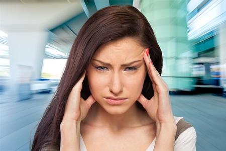 dolor de cabeza: Dolor de cabeza.