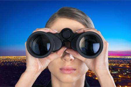 概念: 雙筒望遠鏡。