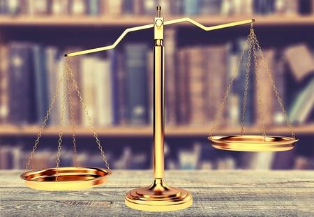 balanza en equilibrio: Escalas de la justicia. Foto de archivo