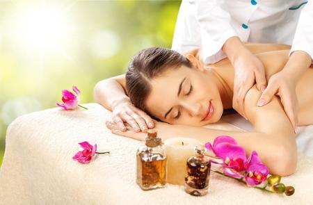 Massage: Спа. Фото со стока