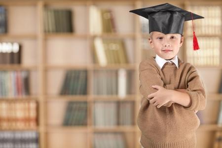 niños en la escuela: Inteligente. Foto de archivo