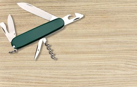alcohol screwdriver: Penknife.