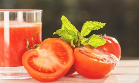 Tomate. Standard-Bild
