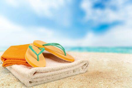 descriptive color: Beach Towel.