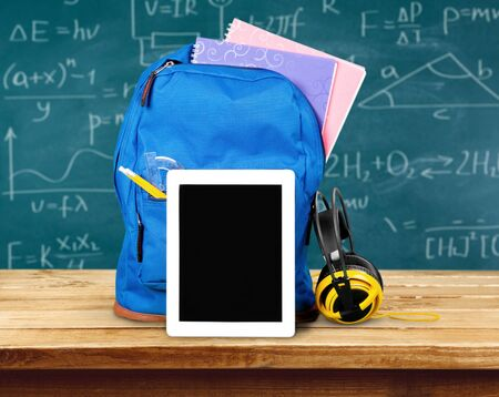 fournitures scolaires: Ipad. Banque d'images