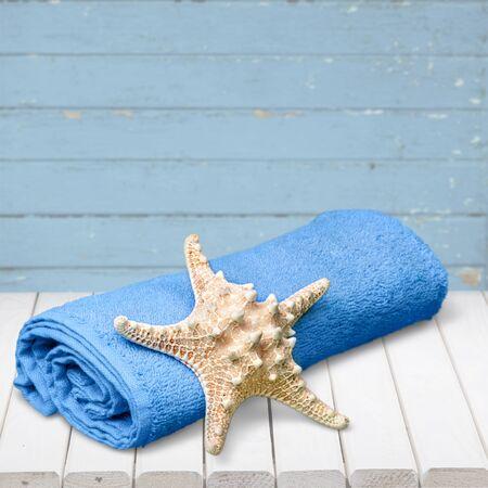 single animal: Towel.