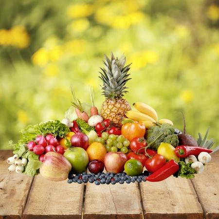 vegetables on white: Fruit.