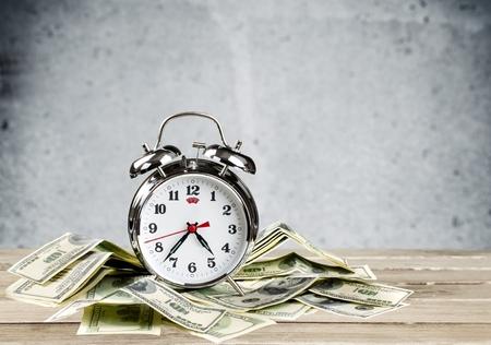 reloj: Moneda.