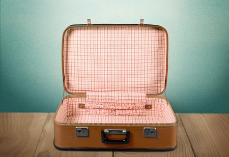 maleta: Marrón. Foto de archivo