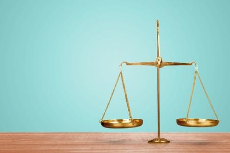 balanza en equilibrio: Justicia.