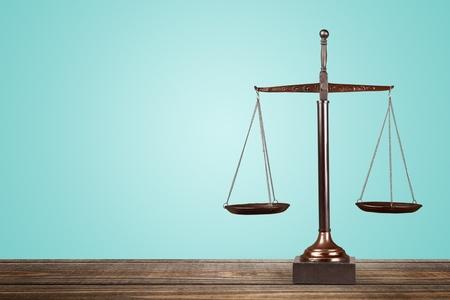 concepto equilibrio: Escalas de la justicia. Foto de archivo