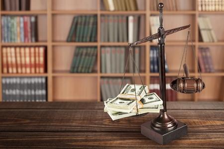 balanza de justicia: Escala.