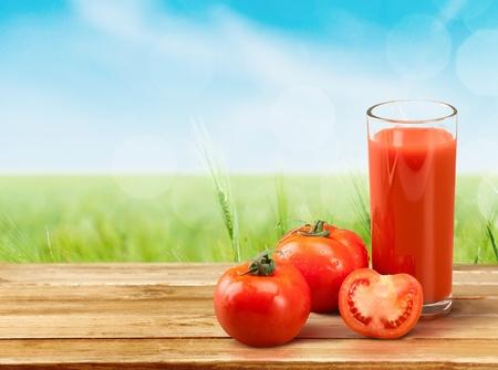 tomate: Jus de tomate. Banque d'images