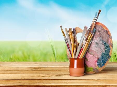 paleta de pintor: Equipo de arte y artesanía.