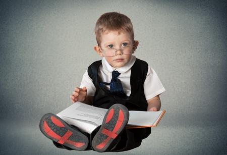 乳幼児: 読書。