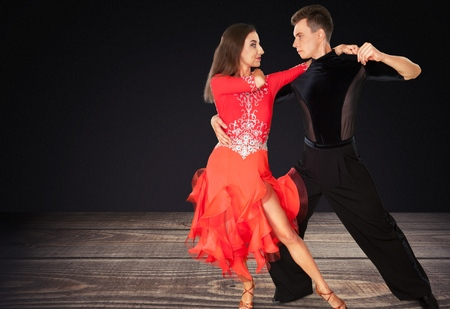 bailando salsa: Bailar Salsa. Foto de archivo